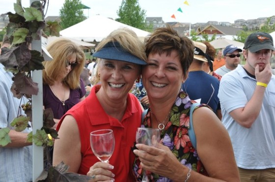 2-jackie-wendy-at-the-winefest-in-castle-rock-co